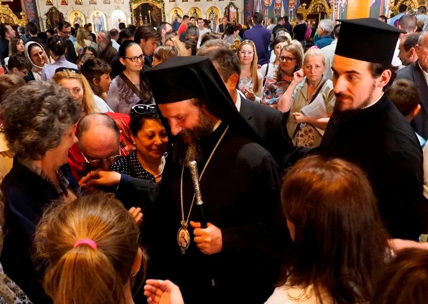Архиепископ Јован служио у храму Васкрсења Христова