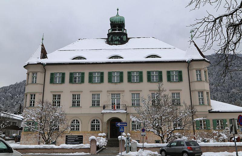 Bezirkshauptmann Dr. Platzgummer empfängt Bischof Andrej