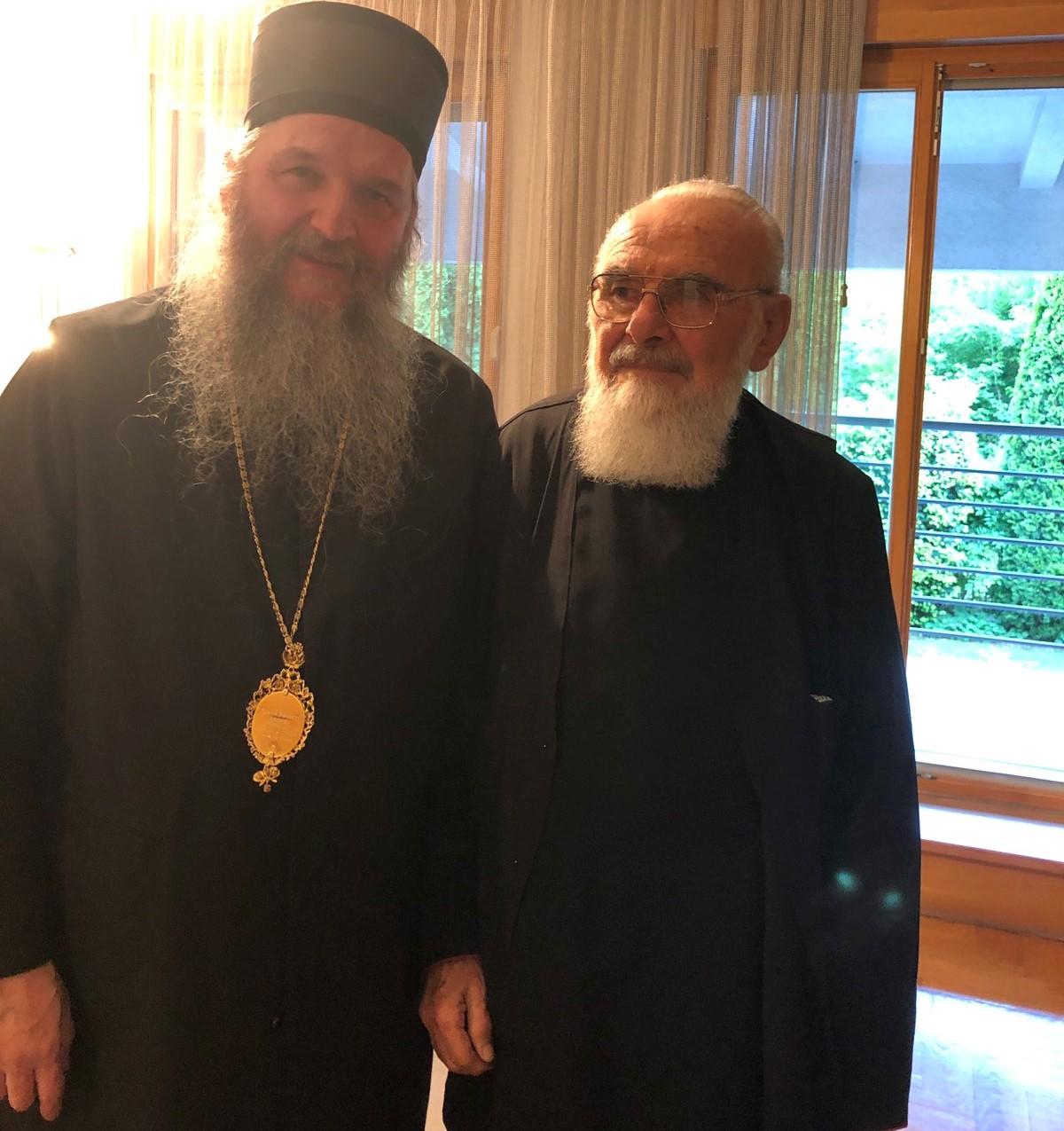 Епископ Андреј у посети заслужном проти Милану Д. Јанковићу