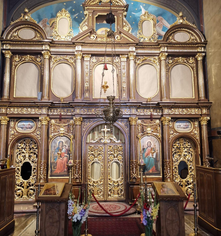 Завршена рестаурација Св. престола, иконостаса и Владичанског трона у Саборној цркви Св. Саве у Бечу