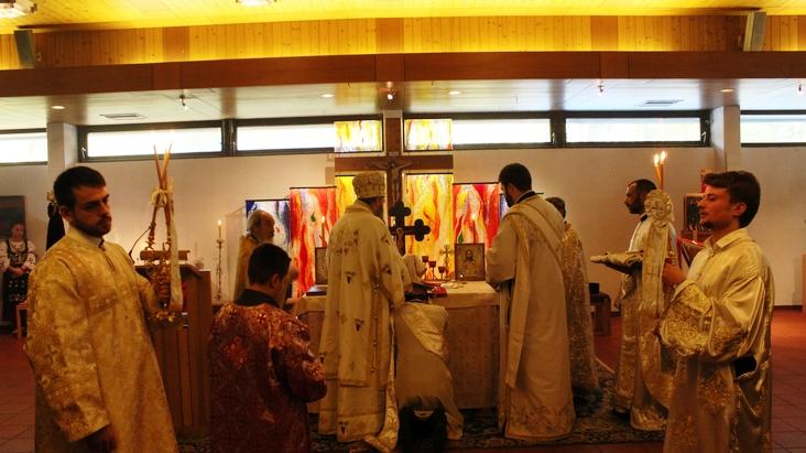 Света Литургија и рукоположење у Куфштајну
