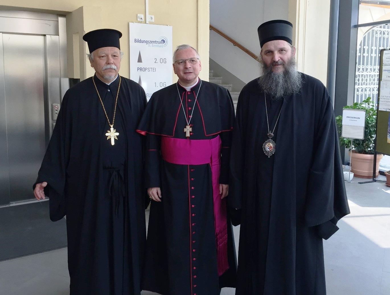 Владика Андреј на хиротонији новог војног Бискупа