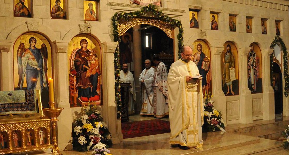 Прослава Преноса моштију Владике Николаја у храму Васкрсења