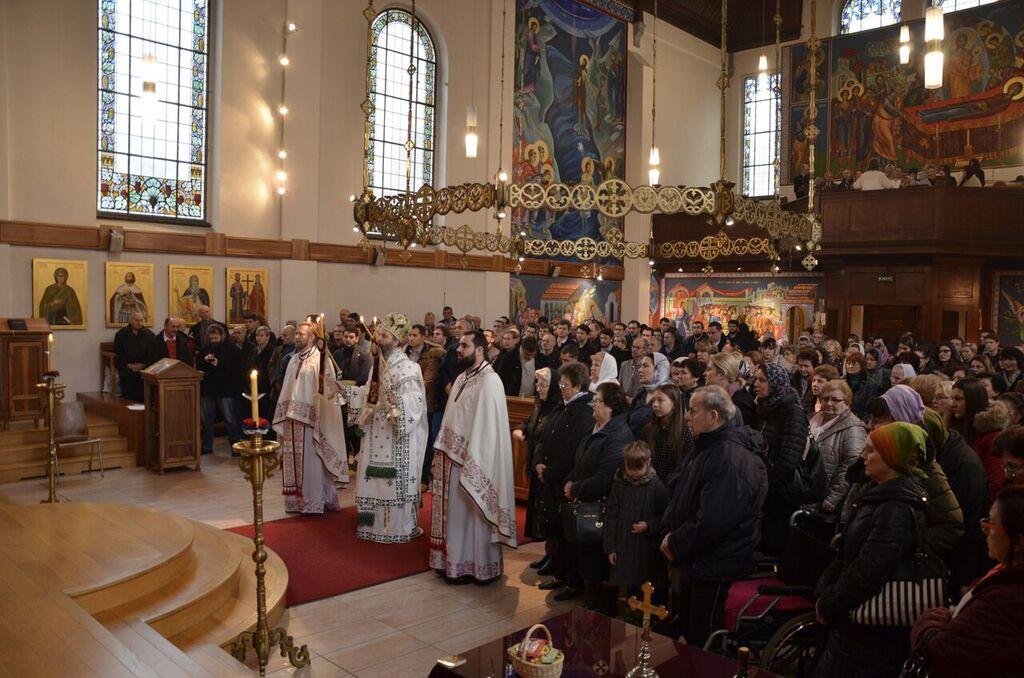 Архијерејска литургија у храму Св. Тројице у Цириху