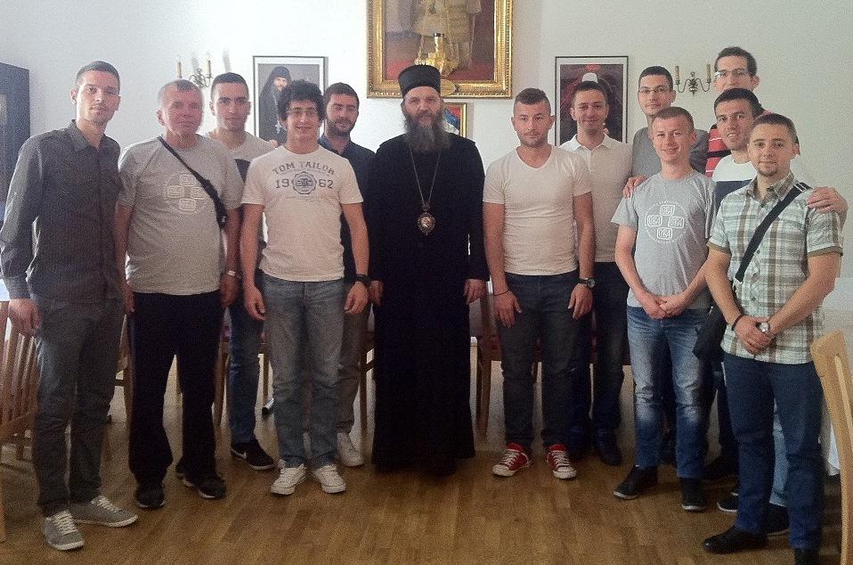 Студенти Богословског факултета посетили Владику Андреја
