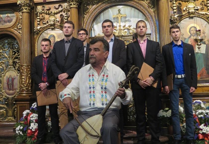 Ученички октет Цетињске богословије посетио бечке храмове