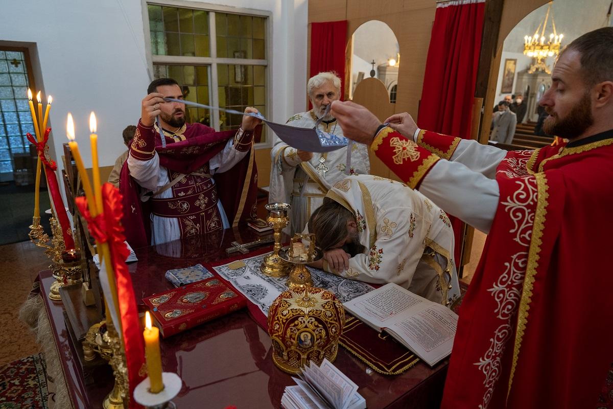 Света архијерејска Литургија у Браунау на Ину