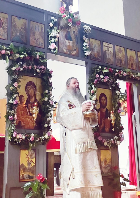 Епископ Андреј на Васкрс служио у Богородичином храму