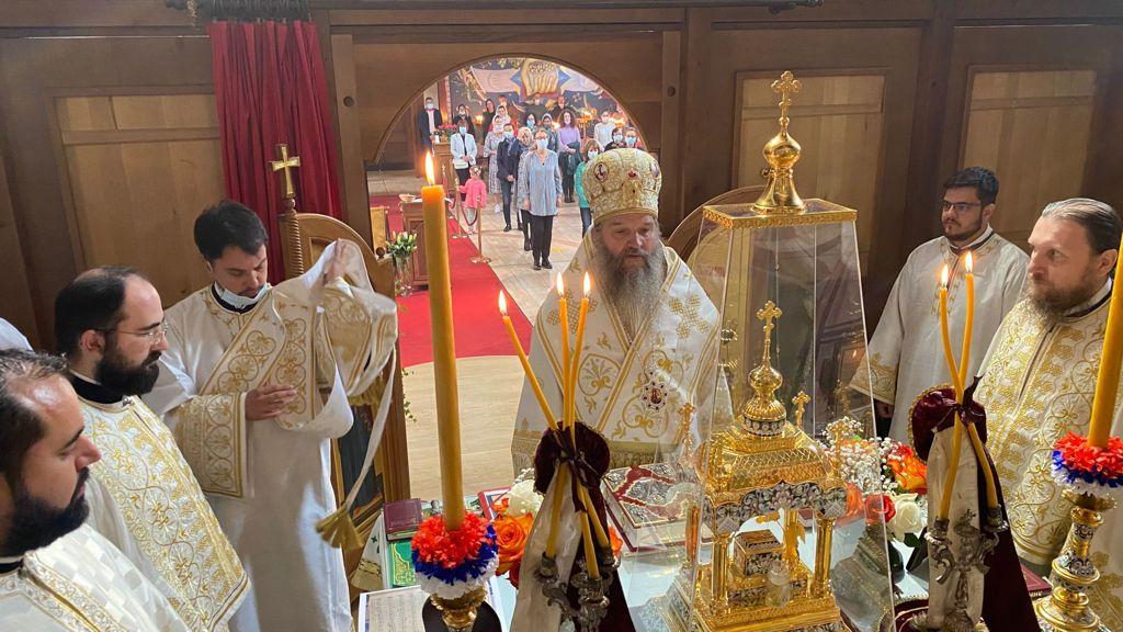 Епископ Андреј богослужио у храму Свете Тројице у Цириху
