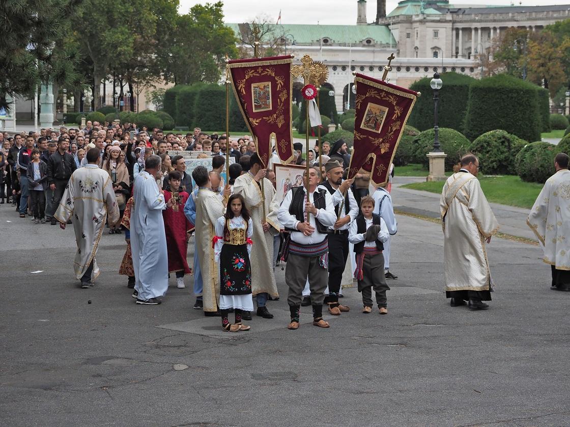 Литија у Бечу поводом славе Богородичиног храма