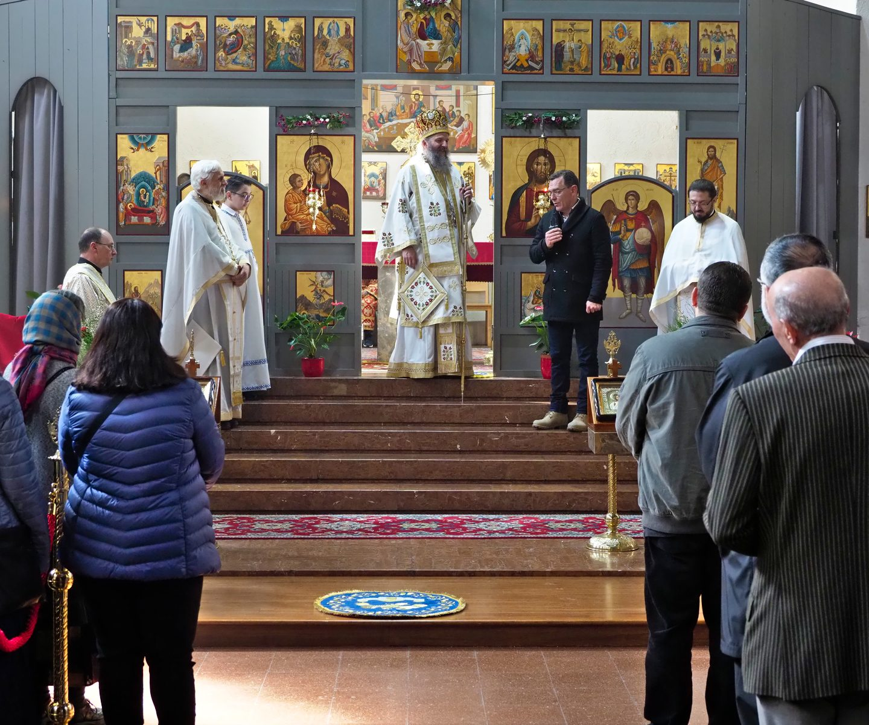 Архијерејеска Литургија у храму Рођења Пресвете Богородице у Бечу