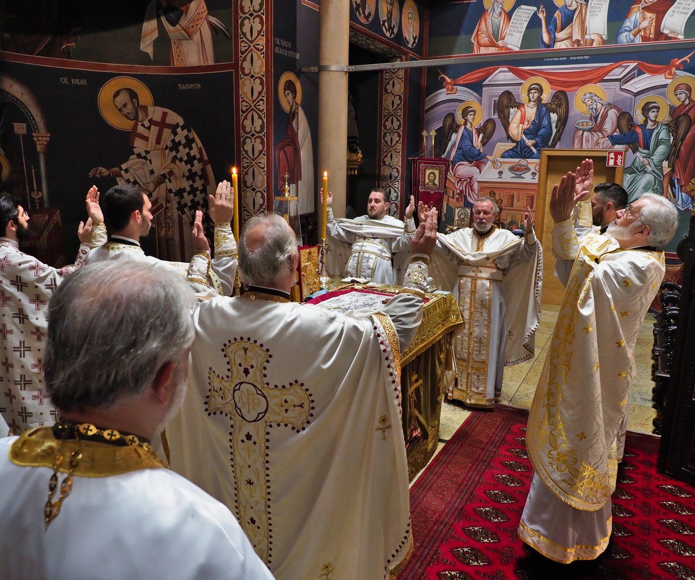 Света литургија у храму Васкрсења Христовог