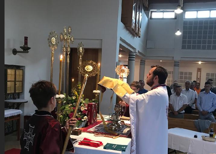 Празник Педесетница и литургијско крштење у Гмундену