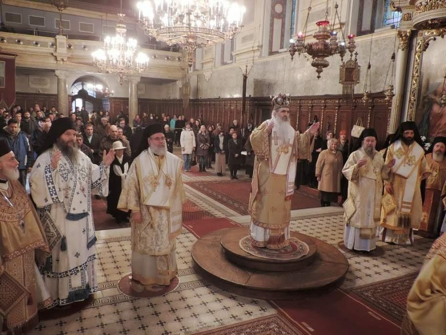 Епископ Андреј на Јовањдану у Саборном храму у Новом Саду