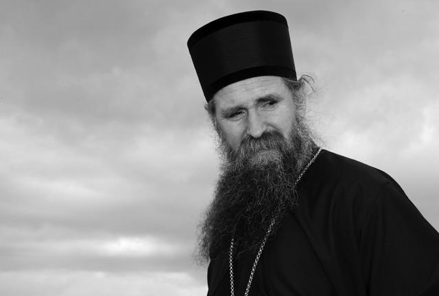 Протест поводом хапшења Преосвештеног Епископа Јоаникија