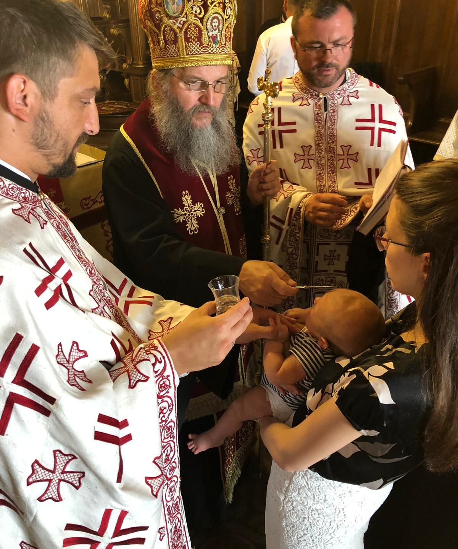 Крштење у Саборном храму у Бечу